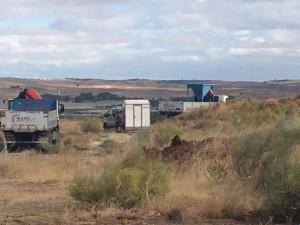 camiones y tolva
